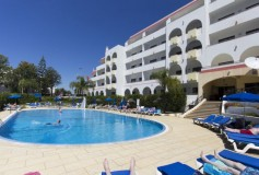 HOLIDAY DEALS FOUND… Algarve, 7 Days in December – about £200 per person…!